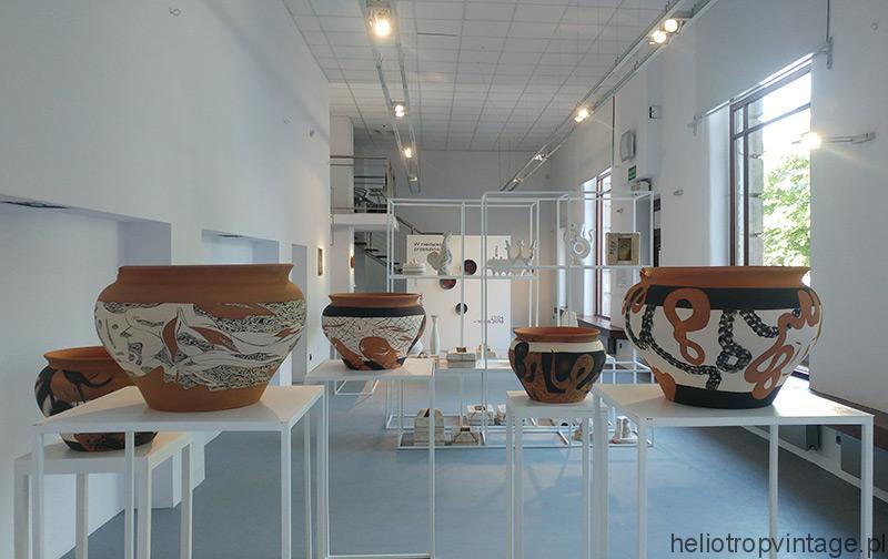 Wystawa: W niedalekiej przeszłości (zdjęcia)
