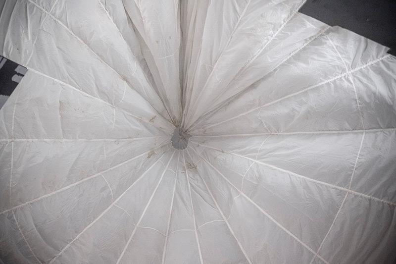 Suknie ślubne ze spadochronów