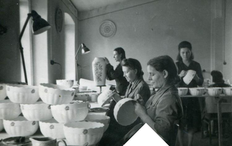 Włocławki. Ceramiczne wyroby z Włocławskiej Fabryki Fajansu z lat 1952-91